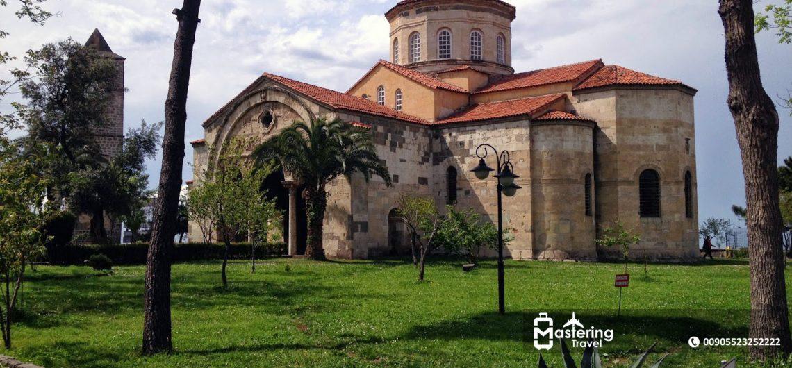 آيا صوفيا من كنيسة إلى مسجد إلى متحف شهد الكثير من تاريخ طرابزون تأجير سيارات في اسطنبول مع سواق خاص شركة ماسترينغ ترافل Mastering Travel Company
